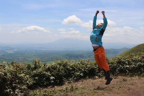 七時雨山開き61(2013.6.2)ジャンプ!