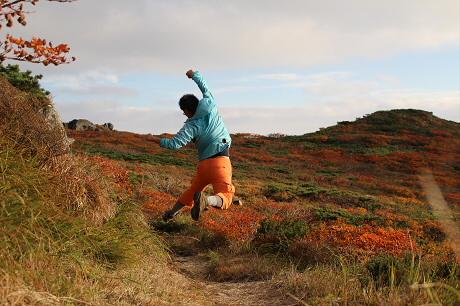 三ツ石紅葉02(2013.9.28)ジャンプ!