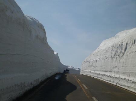 雪の回廊秋田05(2013.4.29)