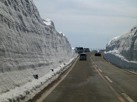 雪の回廊秋田07(2013.4.29)