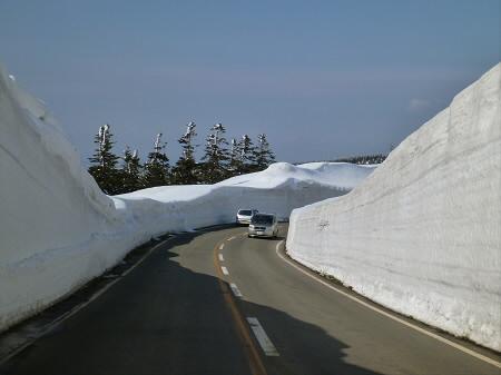 雪の回廊秋田09(2013.4.29)