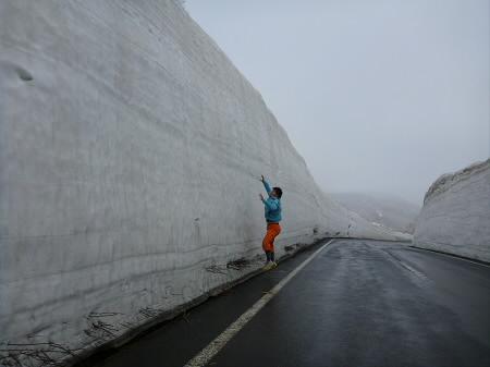 アスピーテラインへ24(2013.4.27)ジャンプ!