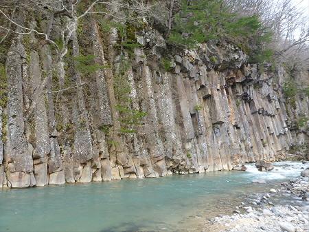 松川渓谷玄武岩04(2013.4.29)