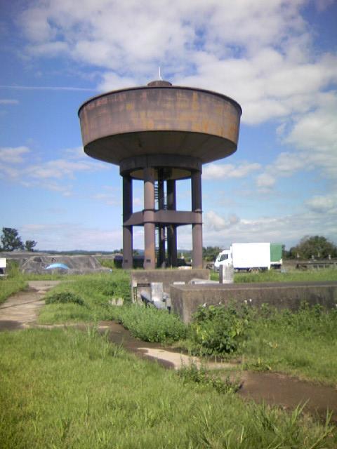 浄水場のタンク