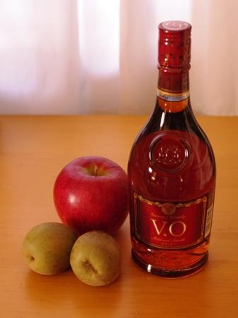 赤いキウイとりんごのフルブラ(フル-ツブランデー)01