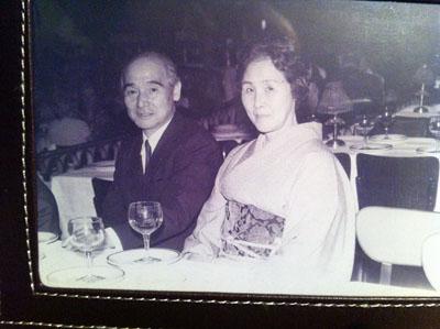 両親ムーランルージュにて1970年