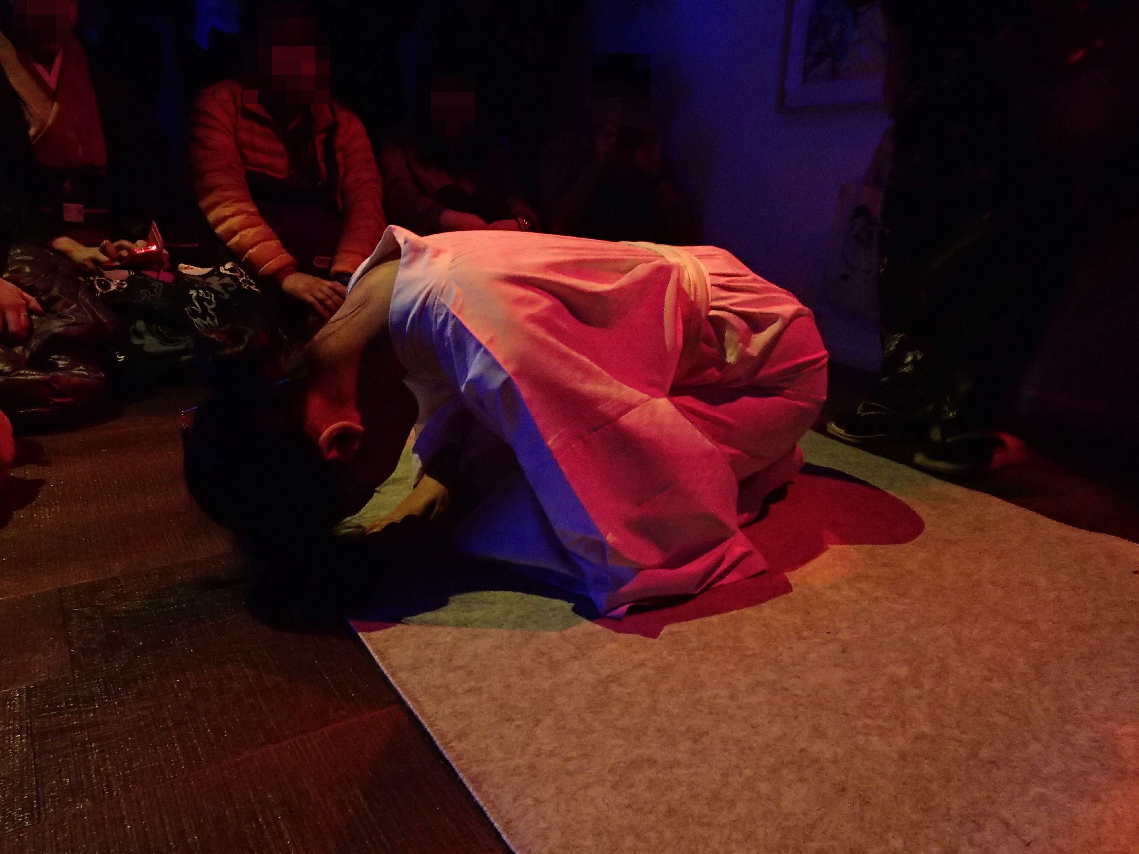 行列のできる緊縛師「エロ王子」氏による緊縛ショー~『背徳』22人展~それぞれの視点で表現する背徳の世界を、あなたに~@ギャラリー新宿座
