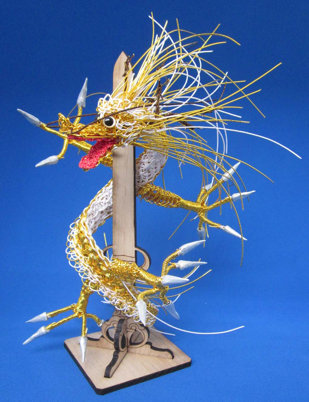 剣龍金色 背景ブルー其の二