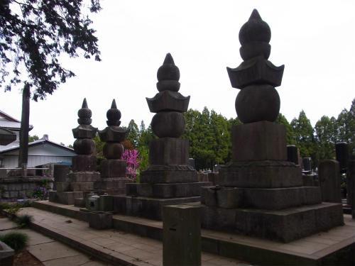 山野辺氏の墓