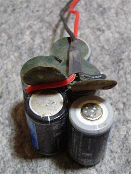 バッテリー改造中