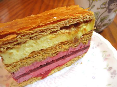 【ケーキ】ドゥーパティスリーカフェ「ミルフィーユ・バニーユ・ルージュ」