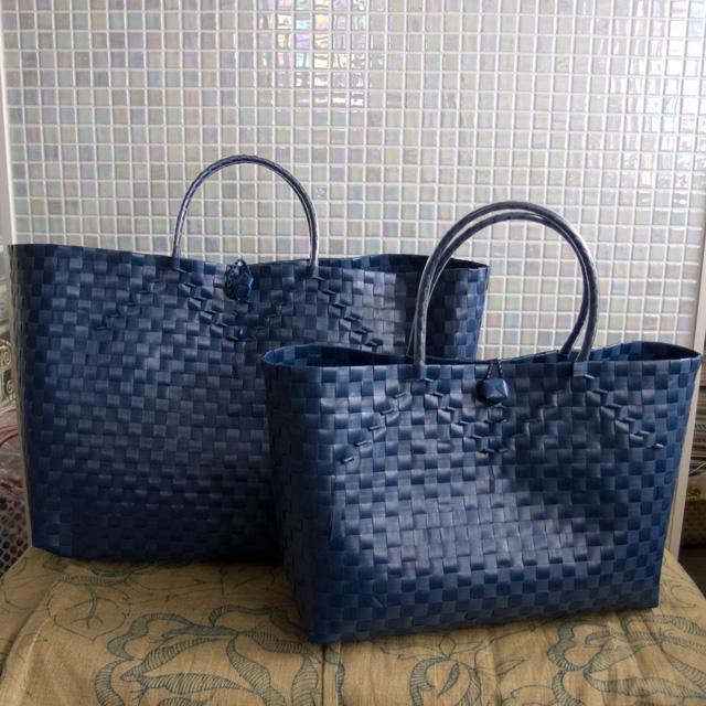 indigo・紺色のプラカゴ