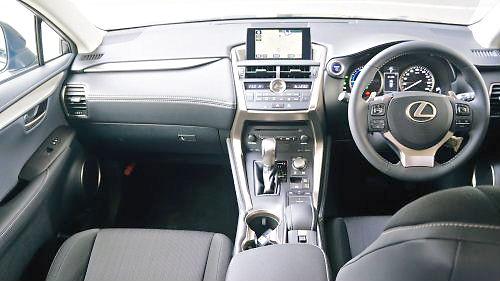 01 500 Lexus 内部