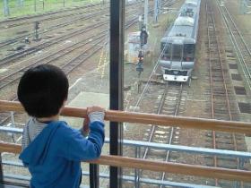 特等席で電車眺め~の、