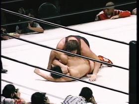 田村自ら倒れこむとゲーリーは引っ繰り返して、