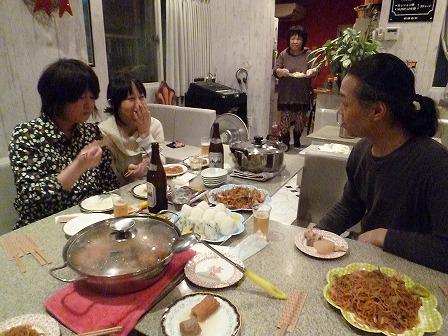 キャロルのママの手料理を頂くg村山義光講師