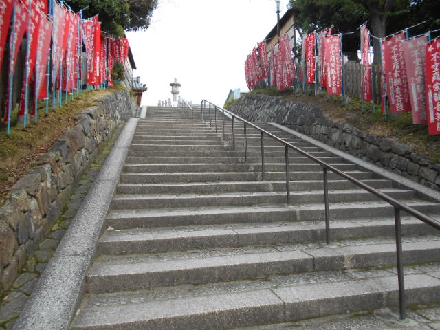 南円堂への階段
