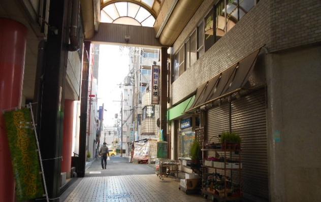 アーケード(裏通り)