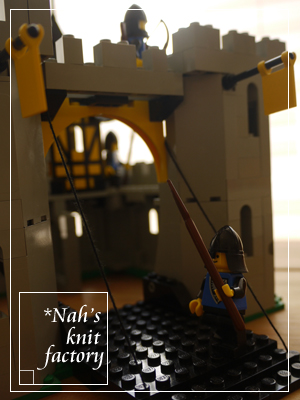 LEGOBlackFalconsFortress02.jpg