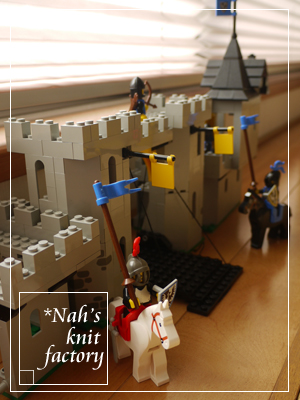 LEGOBlackFalconsFortress06.jpg