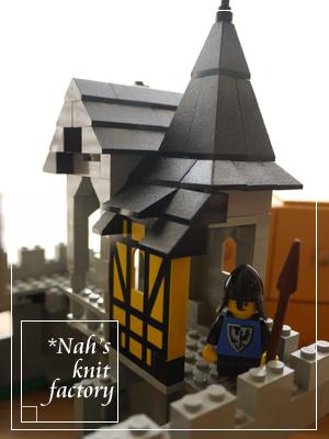 LEGOBlackFalconsFortress08.jpg