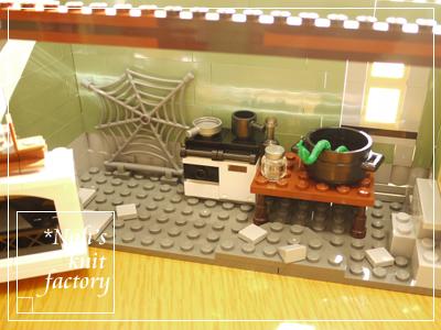 LEGOHauntedHouse14.jpg