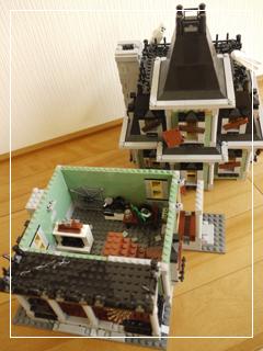 LEGOHauntedHouse55.jpg