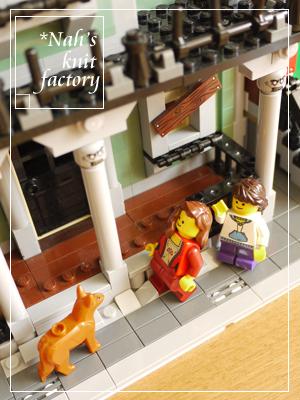 LEGOHauntedHouse70.jpg
