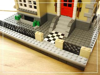 LEGOModelTownHouse02.jpg