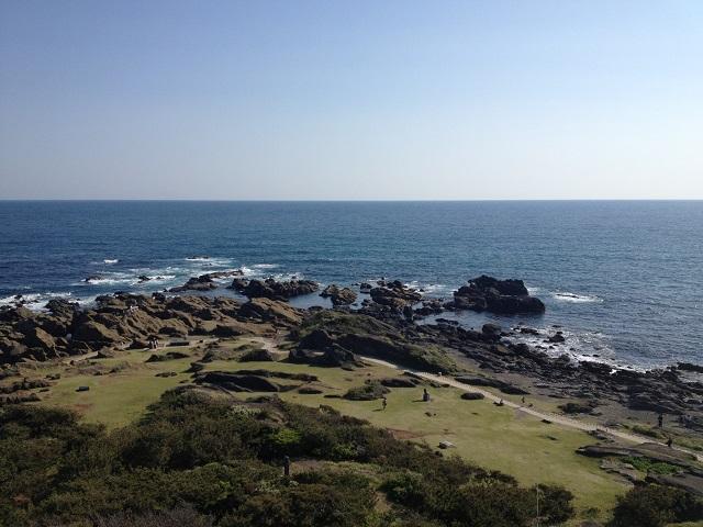 野島岬灯台から望む太平洋