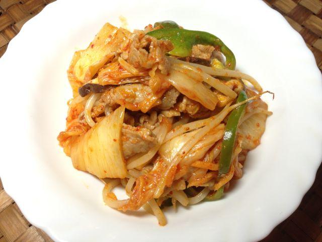 キムチ入り肉野菜炒め