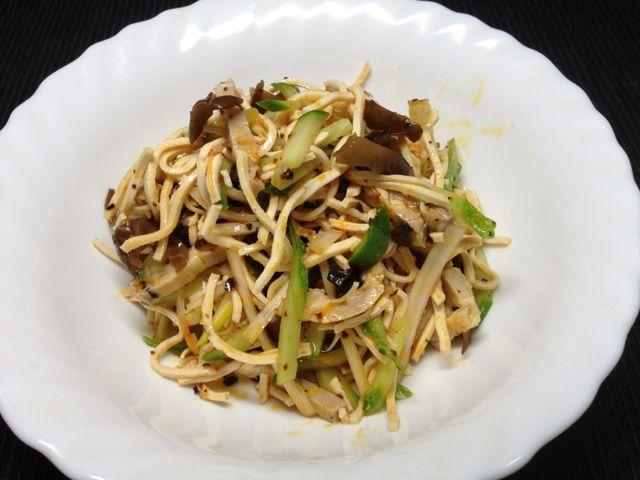 豆腐干絲和え物
