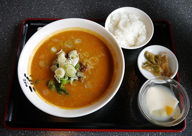 天心坦々麺1