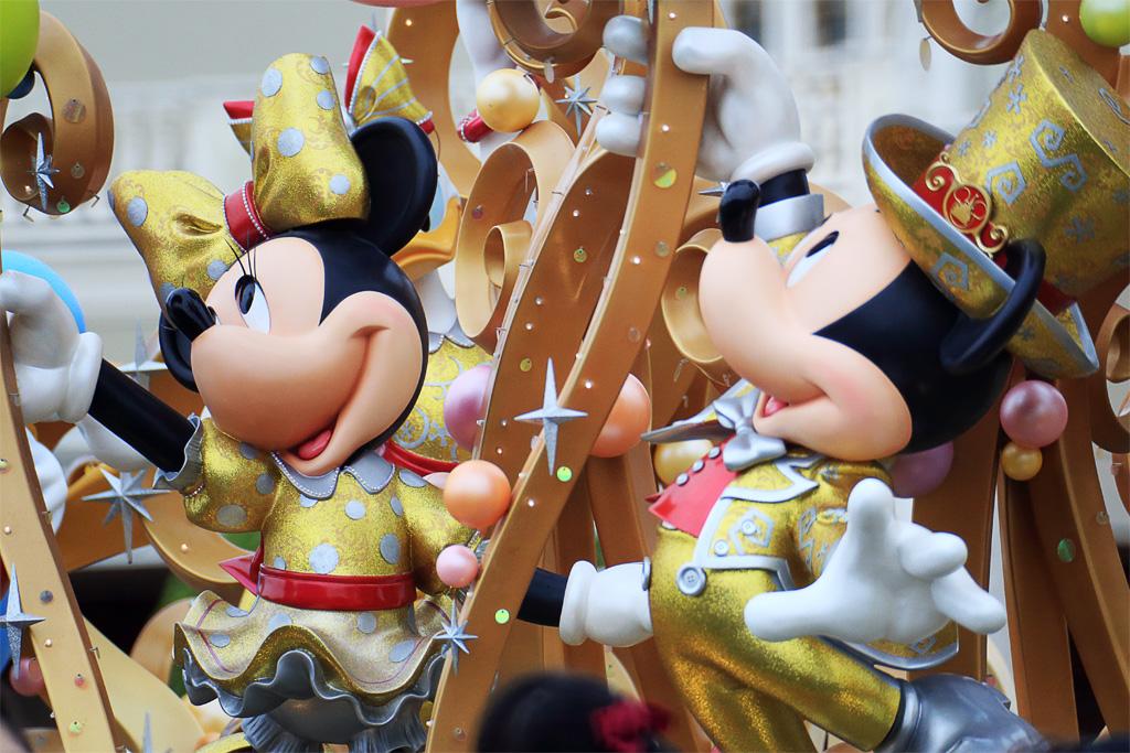 30th THE HAPPINESS YEAR モニュメント(東京ディズニーランド エントランス)
