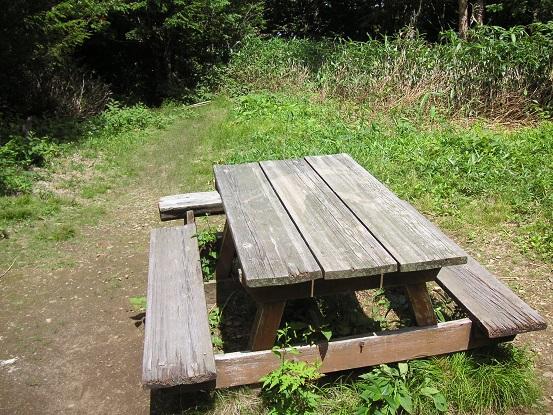 そのベンチです