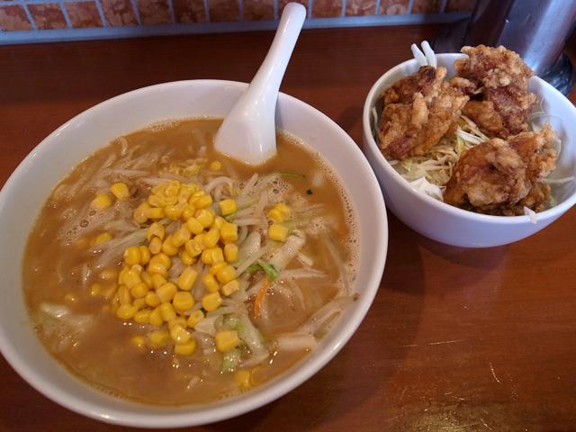 豚骨味噌ラーメンハーフ唐揚げ丼
