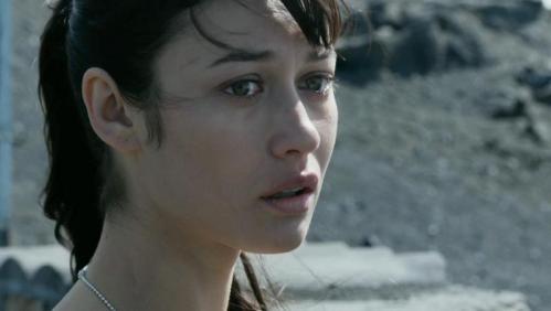 Oblivion -- Olga Kurylenko as Julia (800x452)