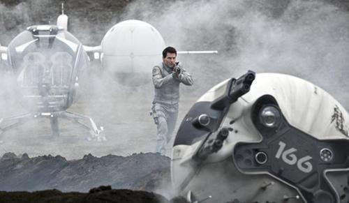 Tom_Cruise-Joseph_Kosinski-Oblivion (800x466)