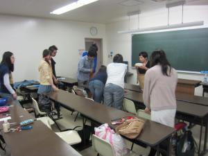 囲み授業と化する