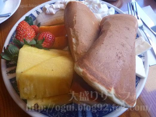 築地市場コリント朝日店のフルーツパンケーキ035