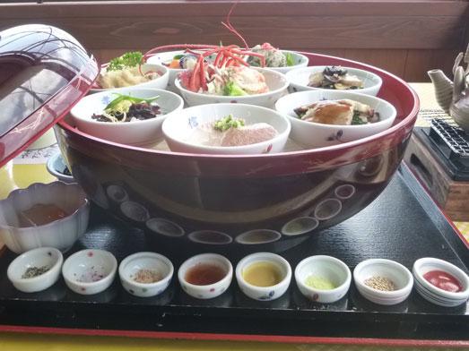 伊戸だいぼ工房舘山旬な八色丼の食べ方051