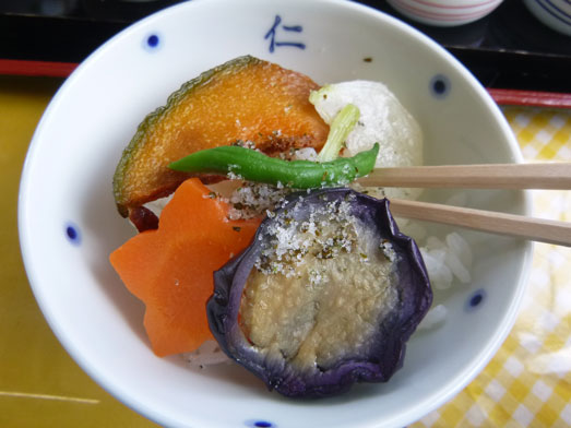 伊戸だいぼ工房舘山旬な八色丼の食べ方053