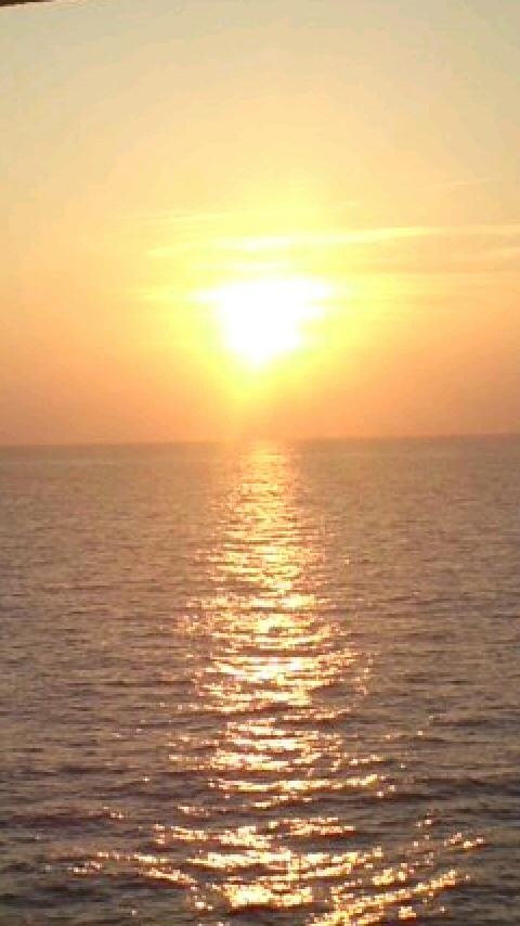 かめりあ丸からの夕日130912_1736~010001