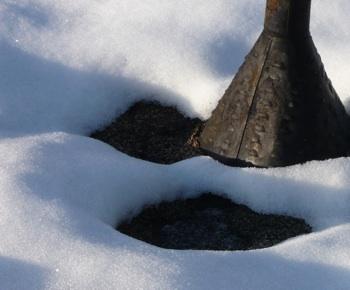 くん炭雪融け2