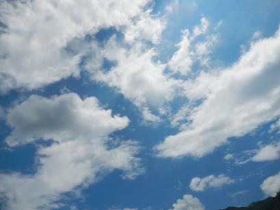 空も青いね。