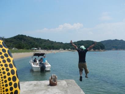 海にジャンプ!