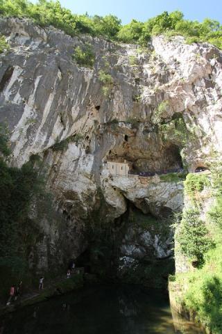 0772 Santa Cueva