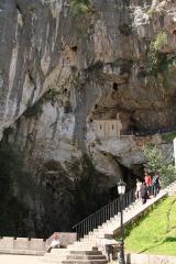 0832 Santa Cueva