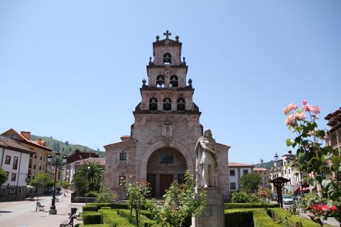 0924 Iglesia parroquial de Santa Maria