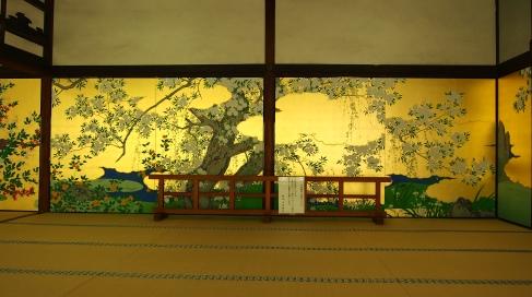 24智積院(ちしゃくいん)桜の襖絵